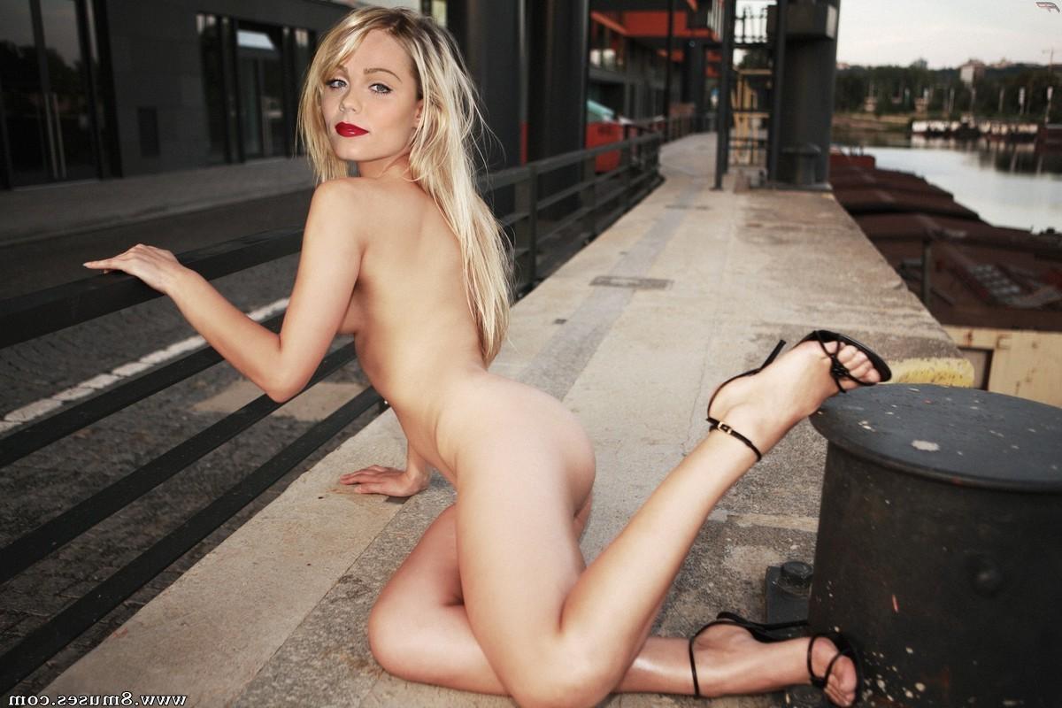 Fake-Celebrities-Sex-Pictures/Laura-Vandervoort Laura_Vandervoort__8muses_-_Sex_and_Porn_Comics_5.jpg