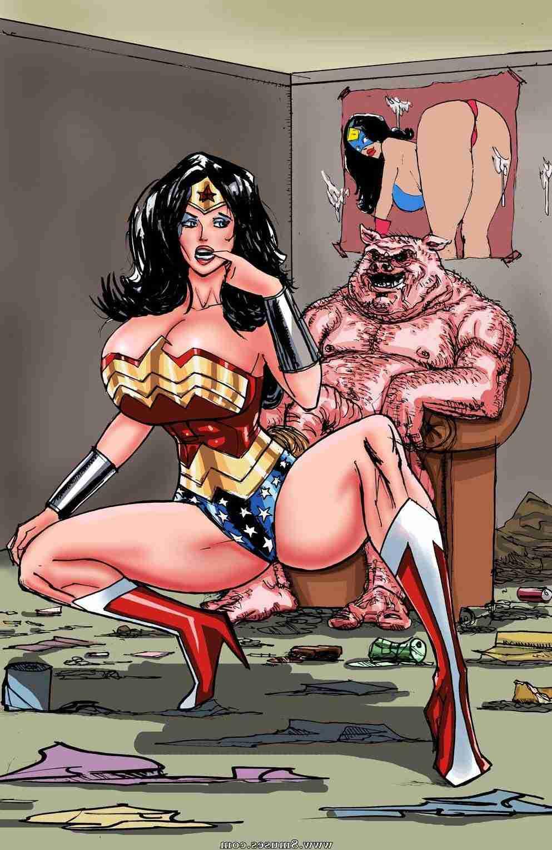 Wonder Woman Feet Tickle